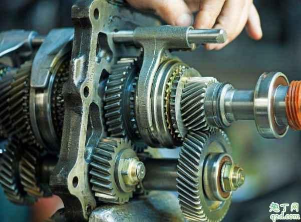 变速箱渗油怎么回事 变速箱怎么换油4