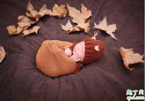 新生儿黄疸能不能喝葡萄糖 宝宝黄疸喂母乳有关系吗2