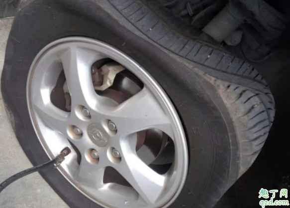 轮胎装的时候怎么看正反 轮胎花纹缺了一块容易爆胎吗4