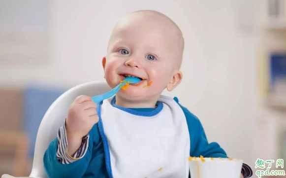 小孩几个月可以训练独立吃饭 怎么训练小孩独立吃饭2
