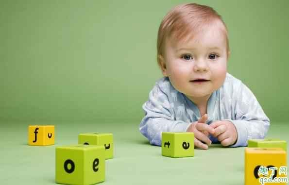 三个月以上的宝宝玩什么玩具好 宝宝三个月了适合玩哪些玩具1