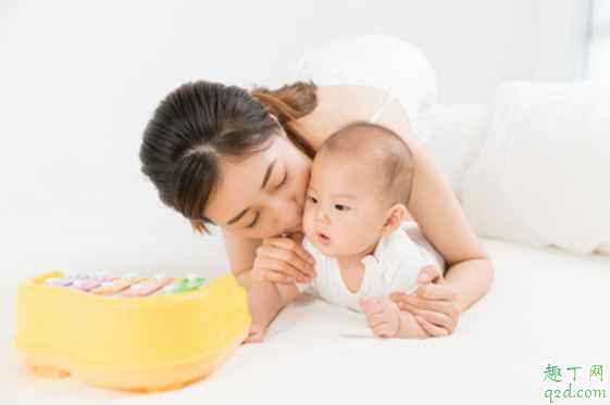 新生儿什么时候戒奶睡最好 新生儿哪种奶睡需要戒2