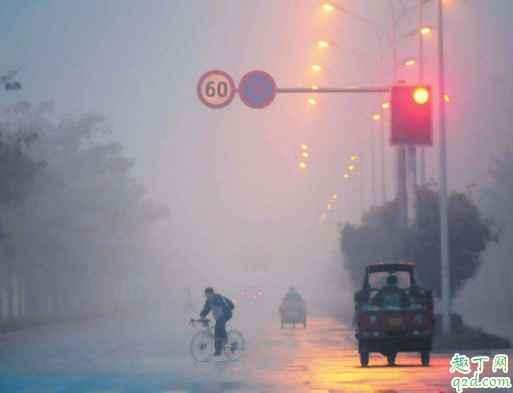 汽车雾灯为什么不选红色 汽车后雾灯不亮是什么故障3